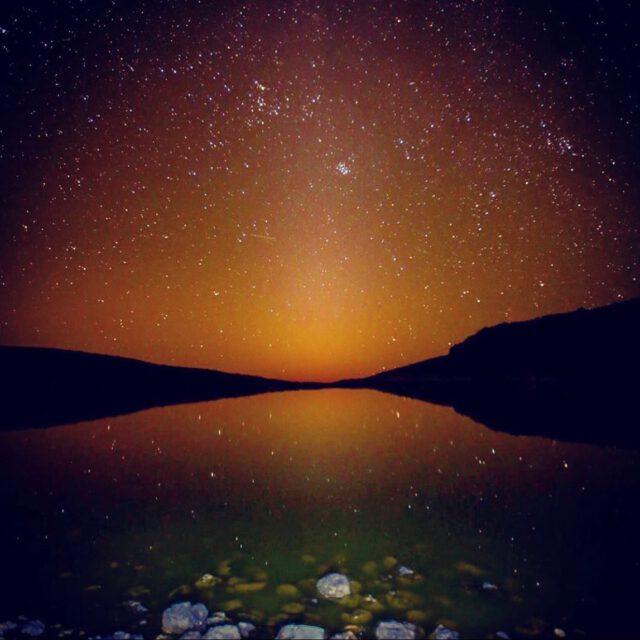 Lake_Waiau_Golden_Stars